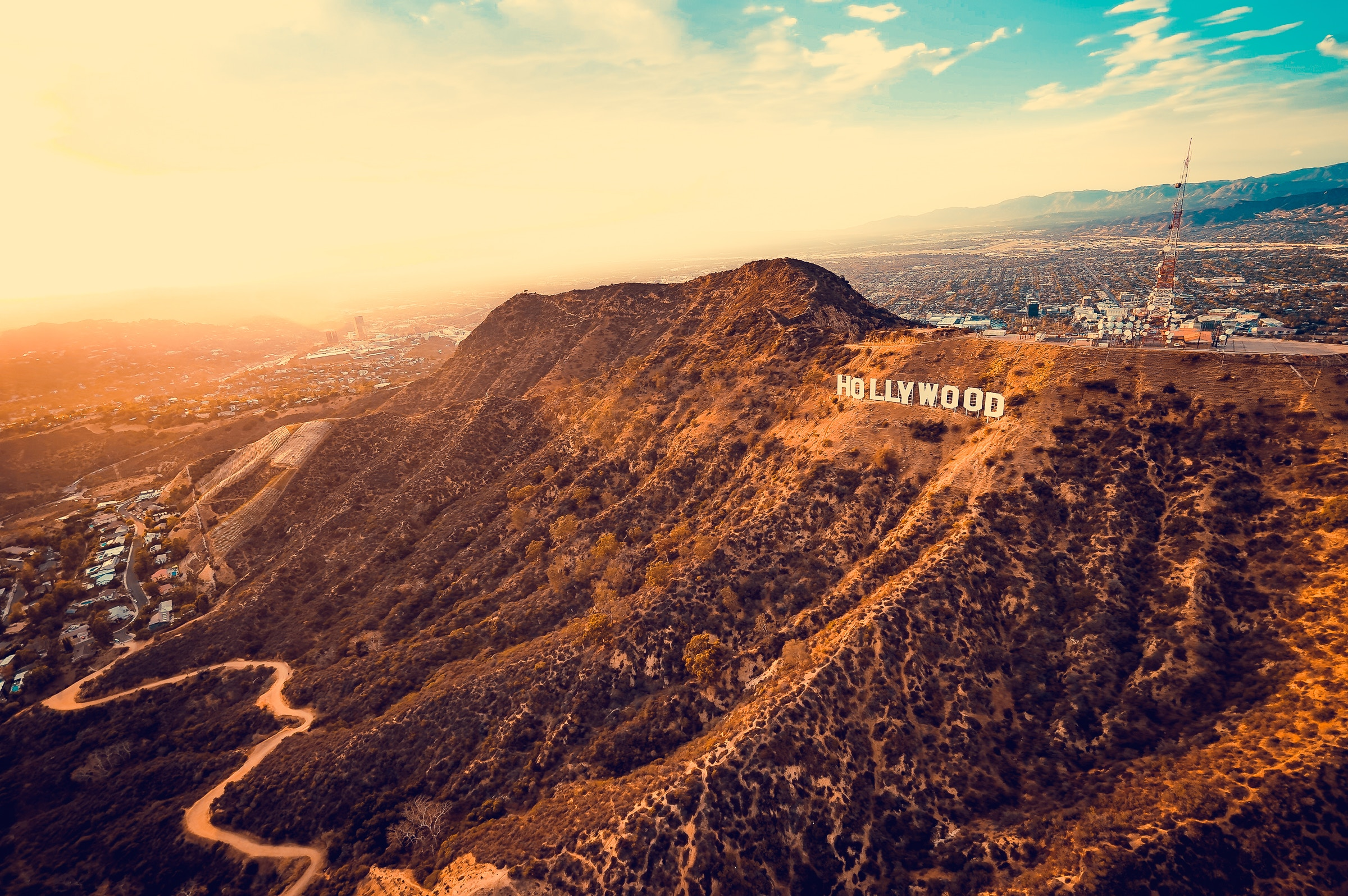 Flying into Los Angeles Featured Image